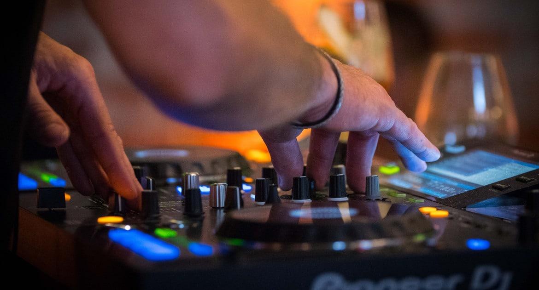 DJ på Magazinet bar
