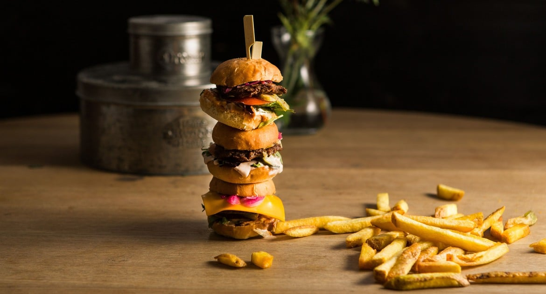 Små hamburgare och strips