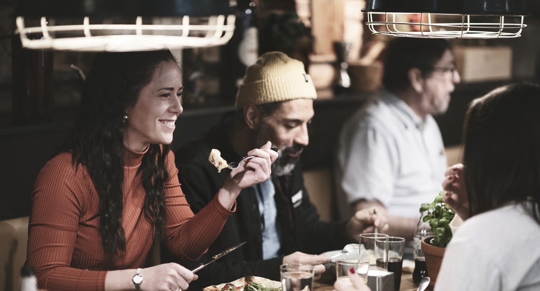 sällskap på restaurang